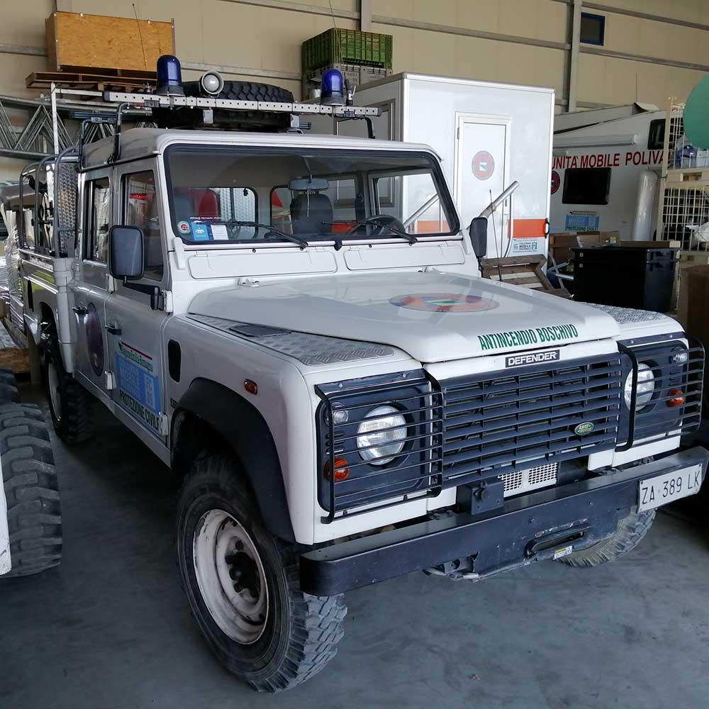 Land Rover Defender 130 pickup