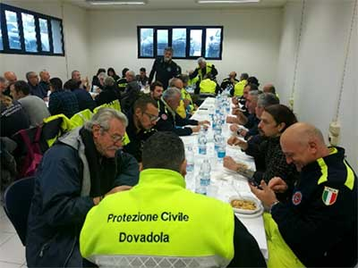 Volontari a tavola